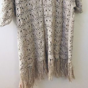 AMERICAN EAGLE SHORT-SLEEVED SWEATER L/XL